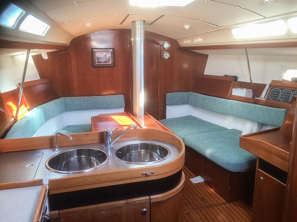 Breeze Sailing Yacht Interior Sail Nelson